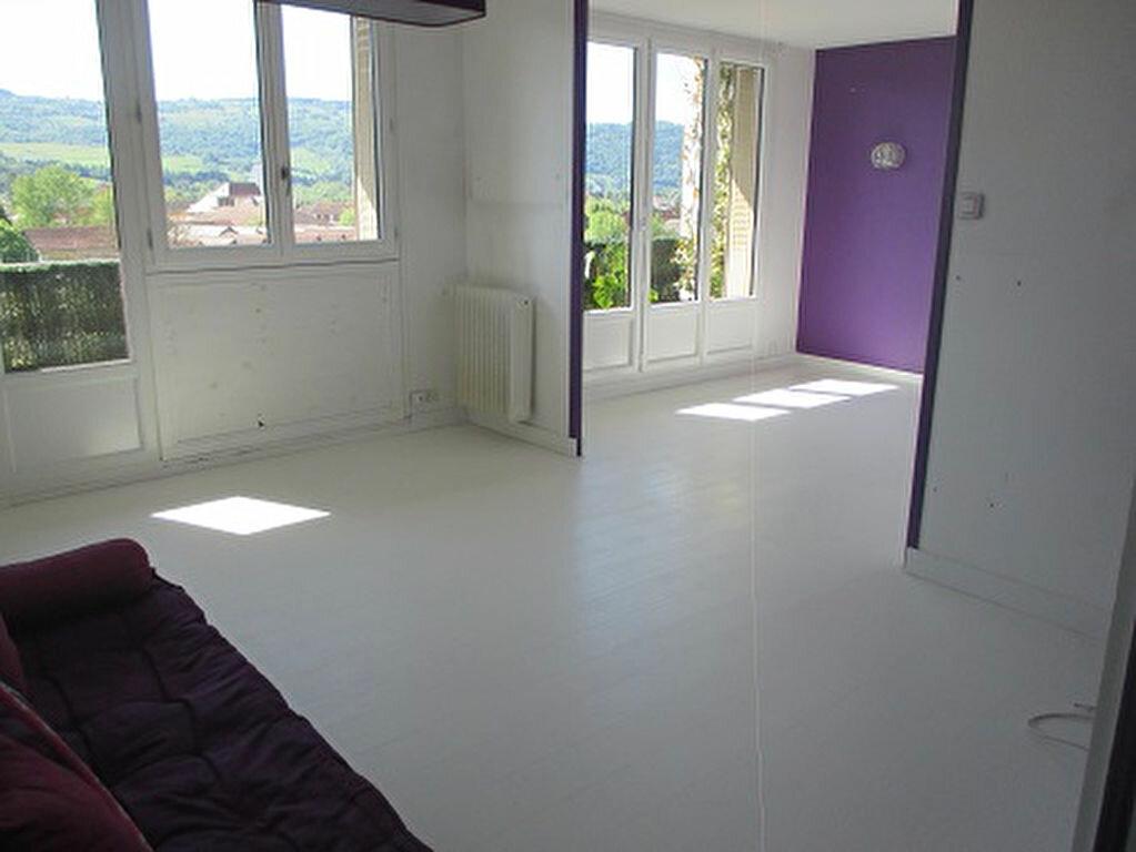 Achat Appartement 3 pièces à Entre-deux-Guiers - vignette-1