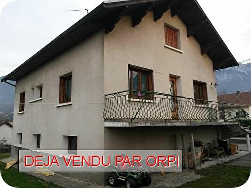 Achat Maison 5 pièces à Saint-Laurent-du-Pont - vignette-1