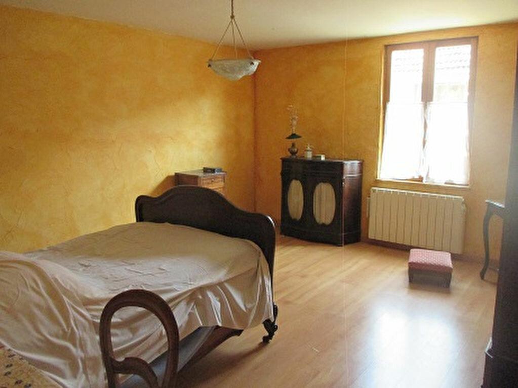 Achat Appartement 3 pièces à Entre-deux-Guiers - vignette-2