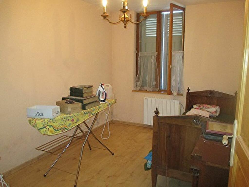 Achat Appartement 3 pièces à Entre-deux-Guiers - vignette-3