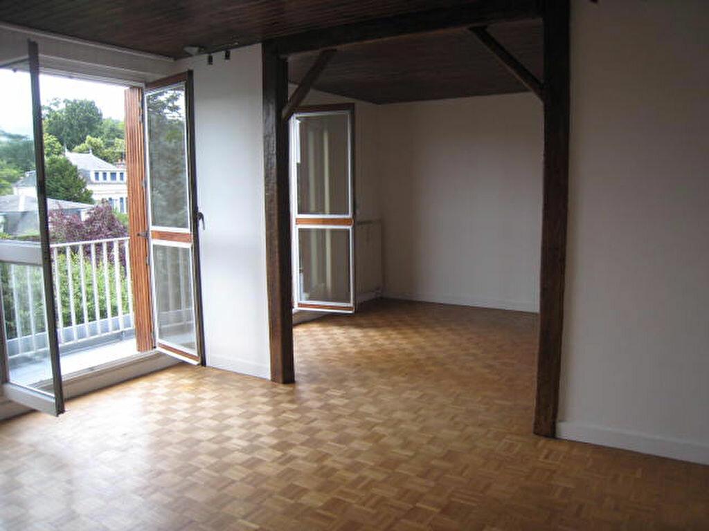 Location Appartement 2 pièces à Orsay - vignette-1
