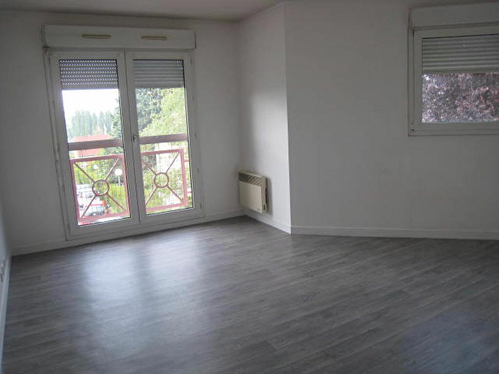Location Appartement 1 pièce à Arpajon - vignette-1