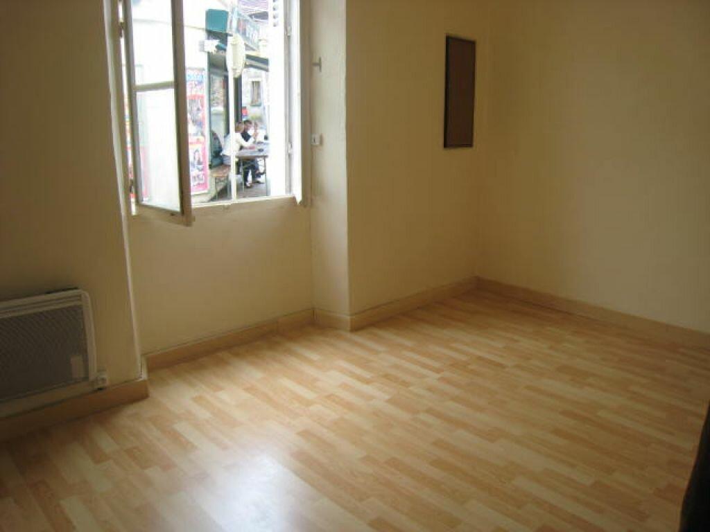 Location Appartement 1 pièce à Saint-Arnoult-en-Yvelines - vignette-1