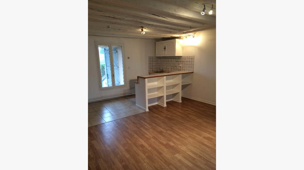 Location Appartement 1 pièce à Limours - vignette-1