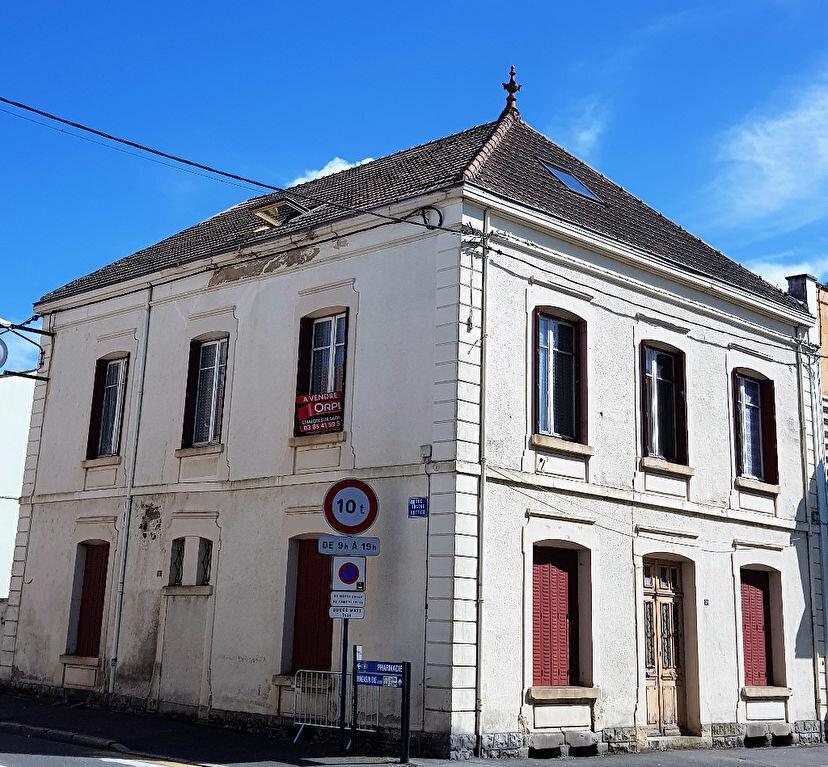 Achat Appartement 4 pièces à Montceau-les-Mines - vignette-1