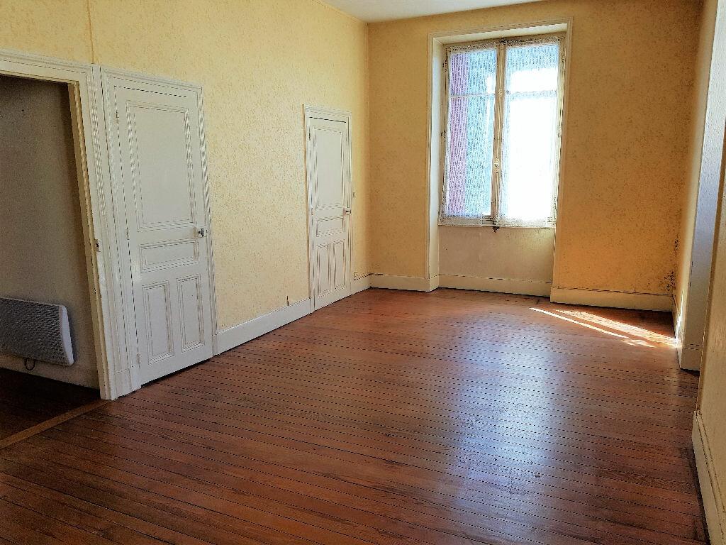 Achat Appartement 4 pièces à Montceau-les-Mines - vignette-5