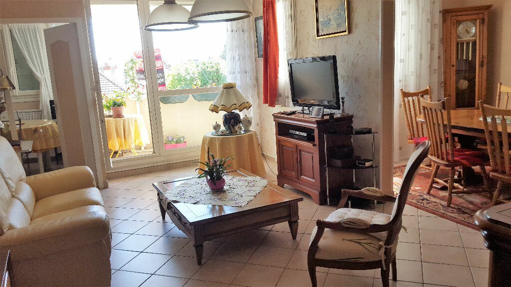 Achat Appartement 4 pièces à Chalon-sur-Saône - vignette-3