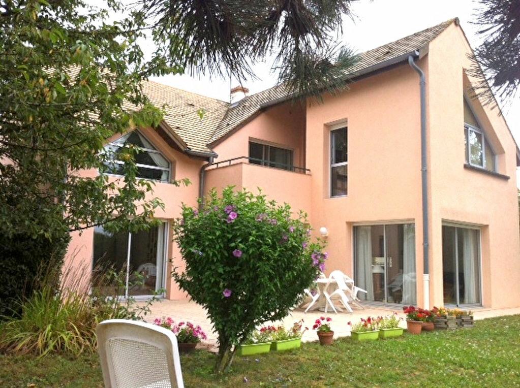 Achat Maison 8 pièces à Chalon-sur-Saône - vignette-1