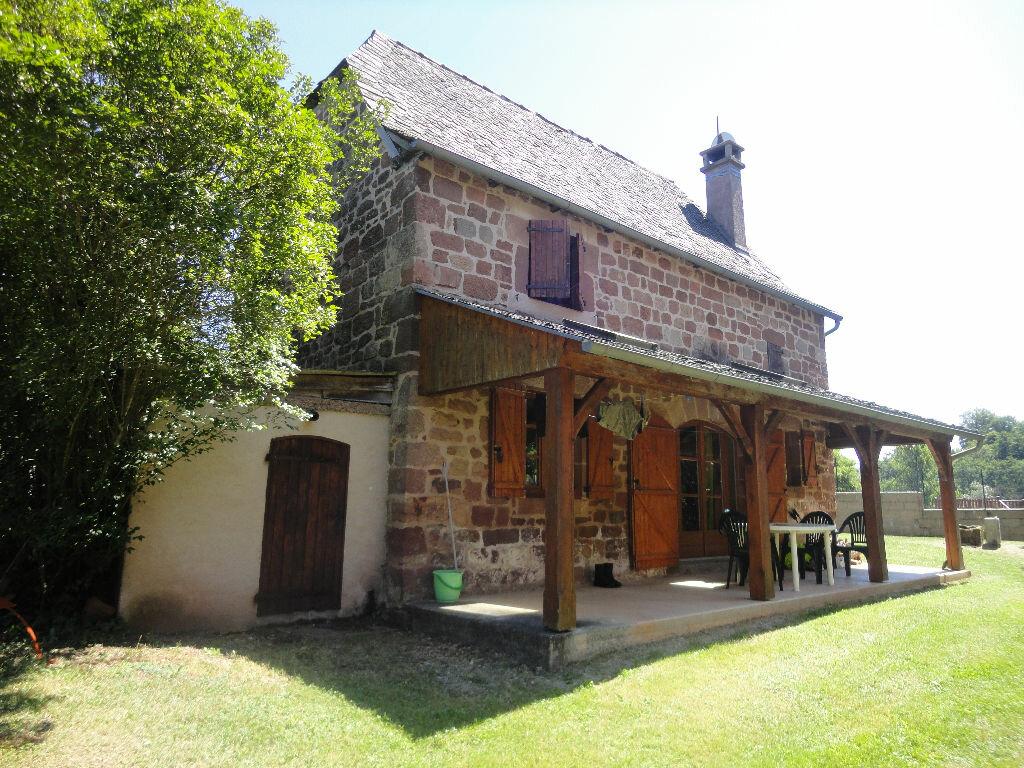 Achat Maison 3 pièces à Saint-Cyprien-sur-Dourdou - vignette-1