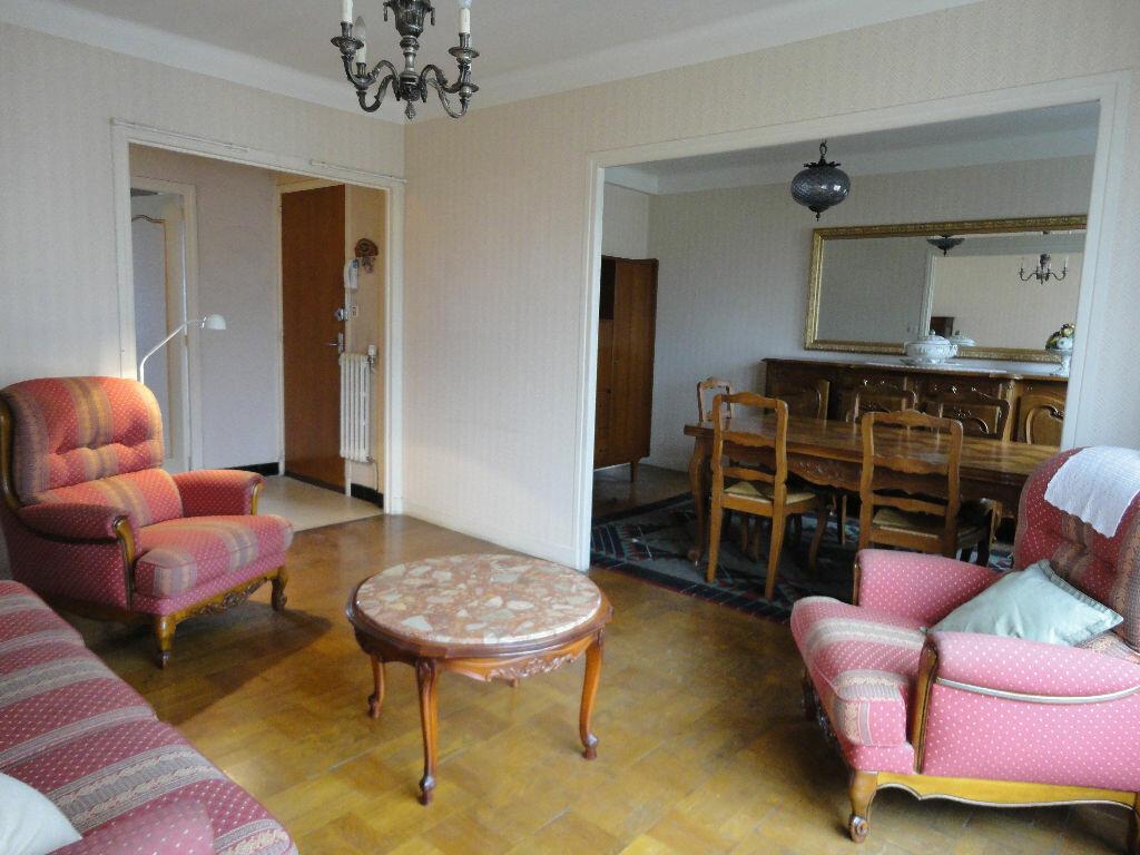Achat Appartement 3 pièces à Rodez - vignette-2
