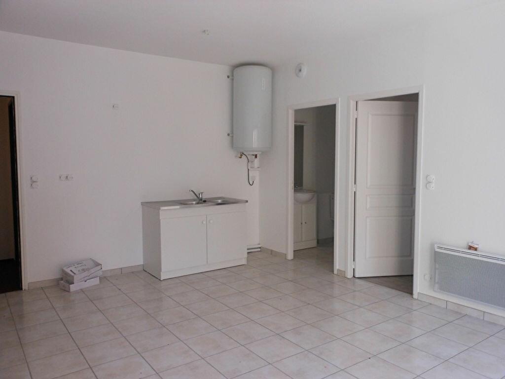 Achat Appartement 2 pièces à Marcillac-Vallon - vignette-2