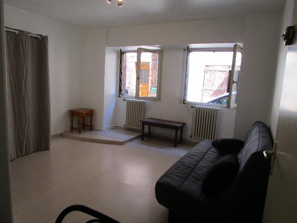 Location Appartement 1 pièce à Marcillac-Vallon - vignette-1