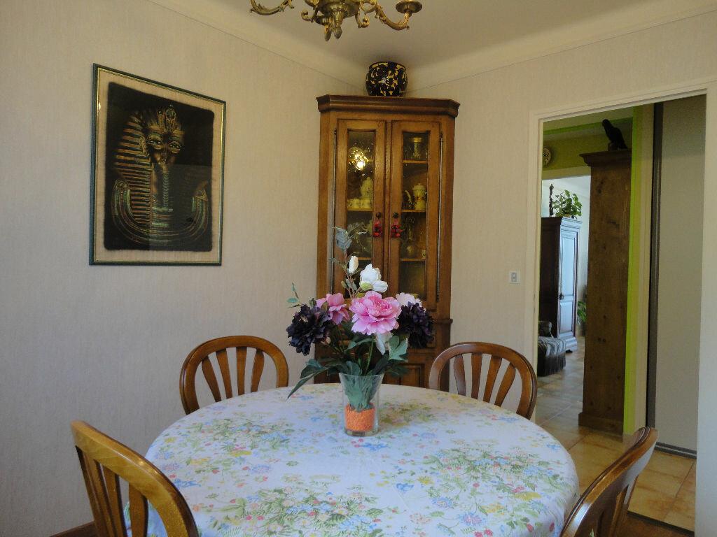 Achat Appartement 4 pièces à Rodez - vignette-3
