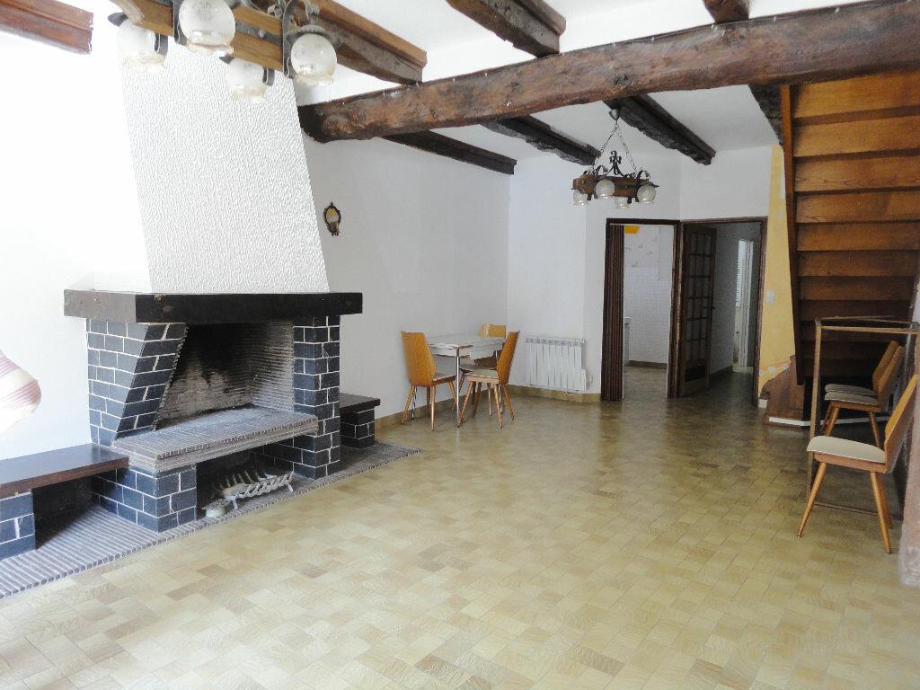 Location Appartement 3 pièces à Marcillac-Vallon - vignette-1