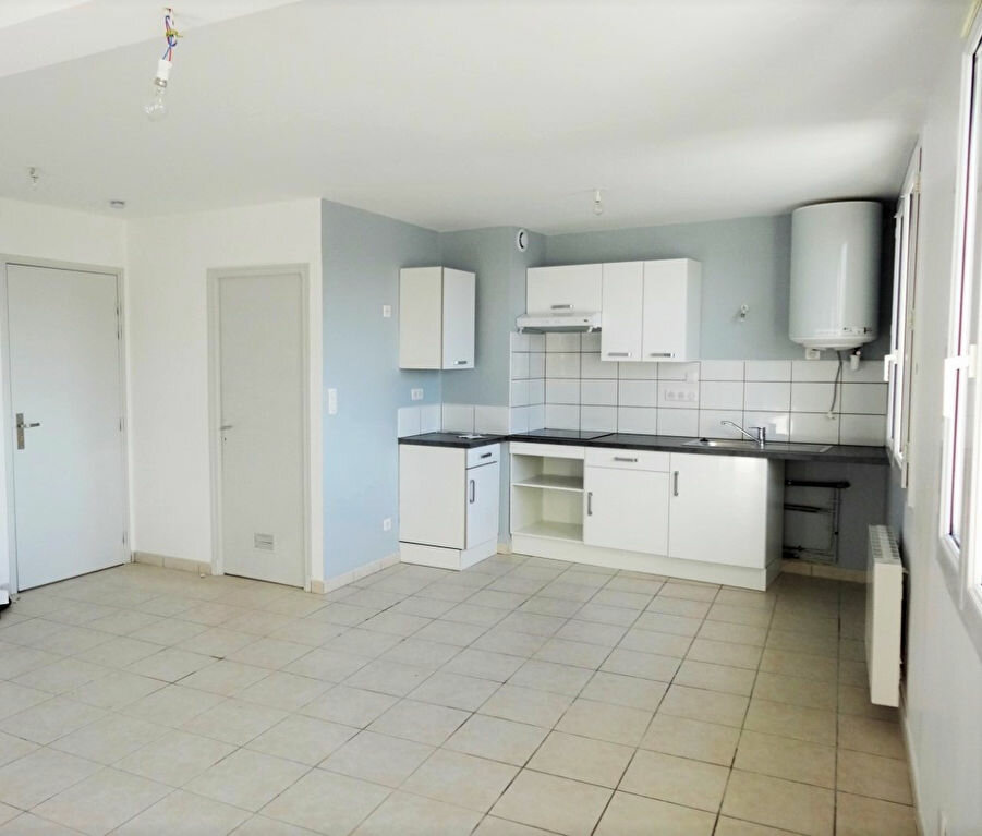 Location Appartement 3 pièces à Naucelle - vignette-1