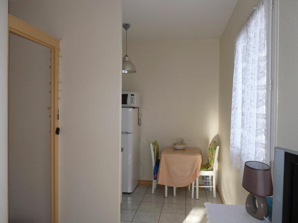Achat Appartement 1 pièce à Royan - vignette-2