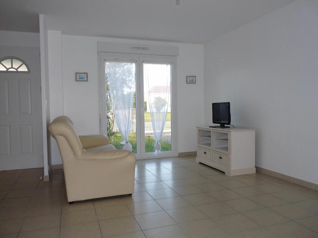 Achat Maison 4 pièces à Saint-Georges-de-Didonne - vignette-3