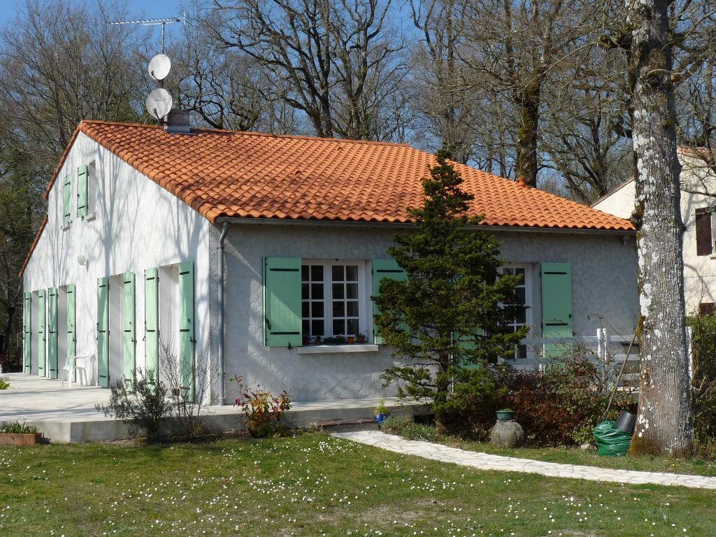 Achat Maison 7 pièces à Saint-Sulpice-de-Royan - vignette-1