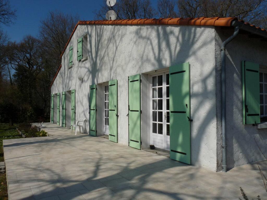 Achat Maison 7 pièces à Saint-Sulpice-de-Royan - vignette-2