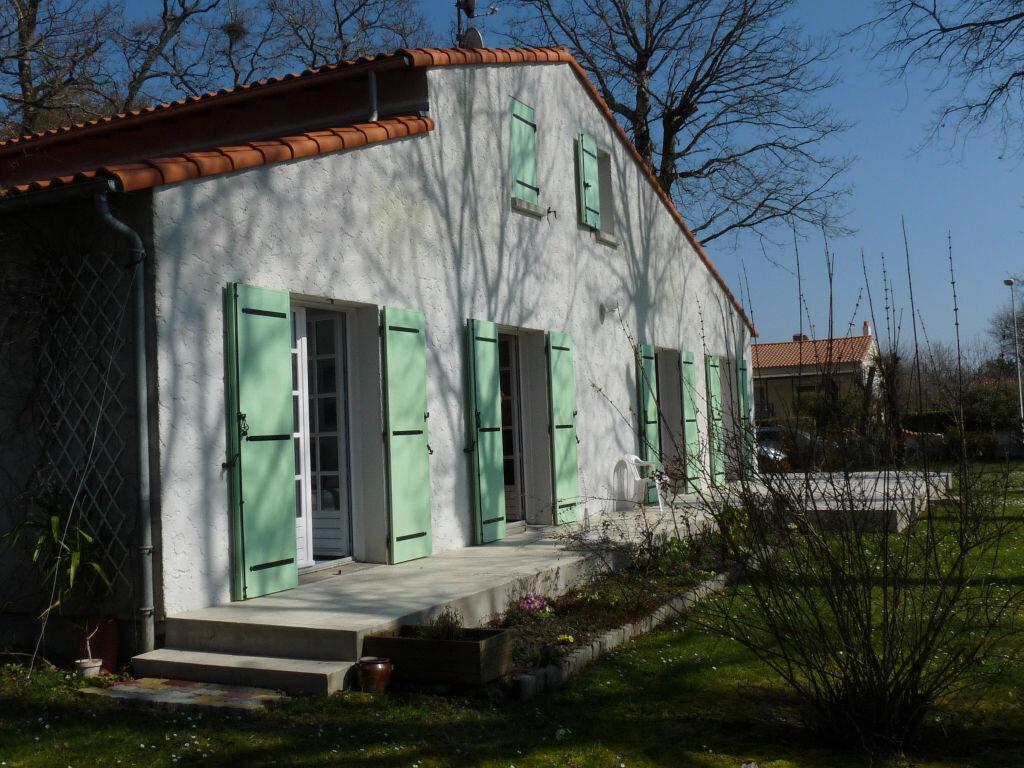 Achat Maison 7 pièces à Saint-Sulpice-de-Royan - vignette-3