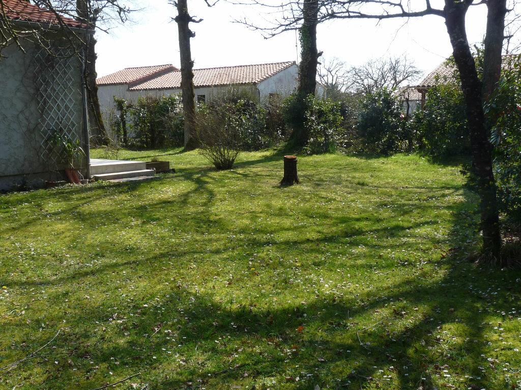 Achat Maison 7 pièces à Saint-Sulpice-de-Royan - vignette-4