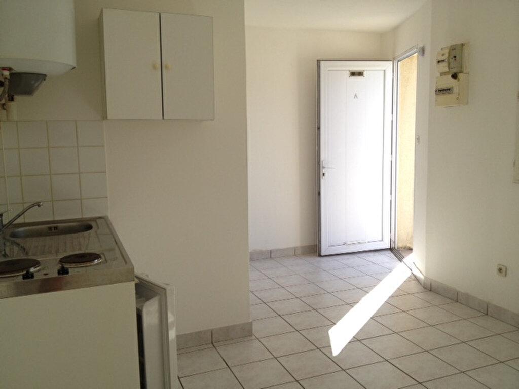 Location Appartement 1 pièce à Sotteville-lès-Rouen - vignette-1