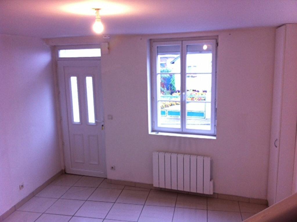 Location Appartement 3 pièces à Le Houlme - vignette-1