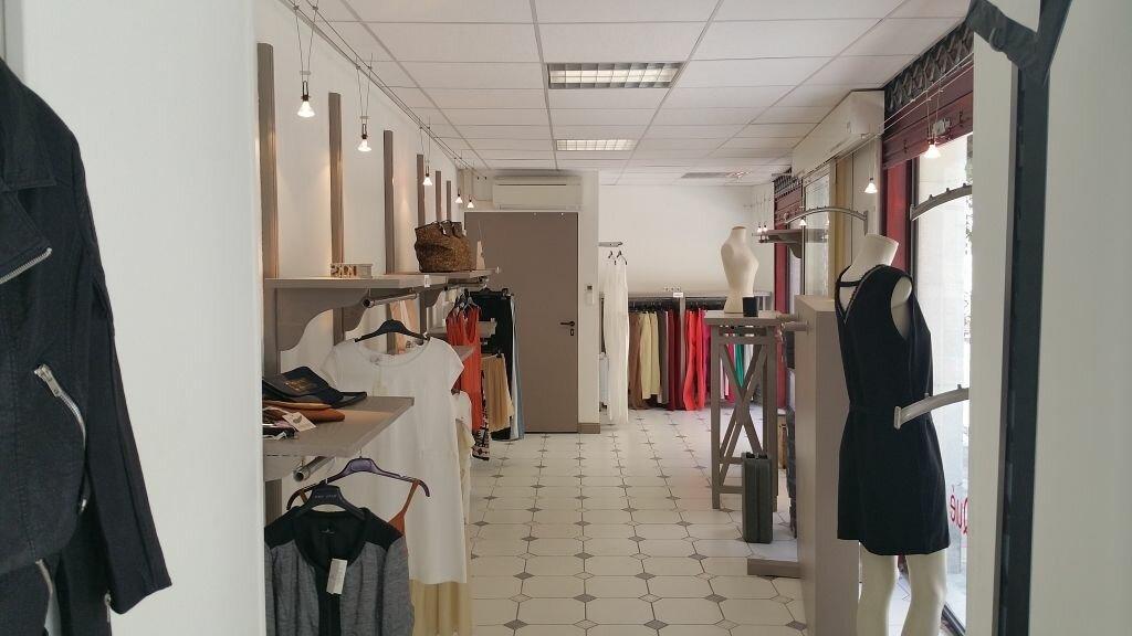 Achat Local commercial  à Saint-Paul-Trois-Châteaux - vignette-1
