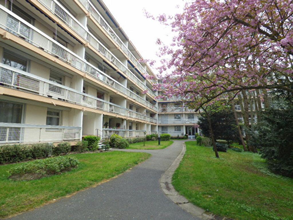 Achat Appartement 4 pièces à Vaires-sur-Marne - vignette-1