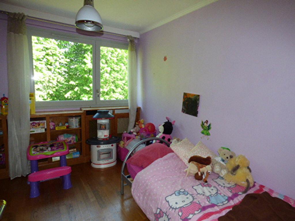 Achat Appartement 4 pièces à Vaires-sur-Marne - vignette-7