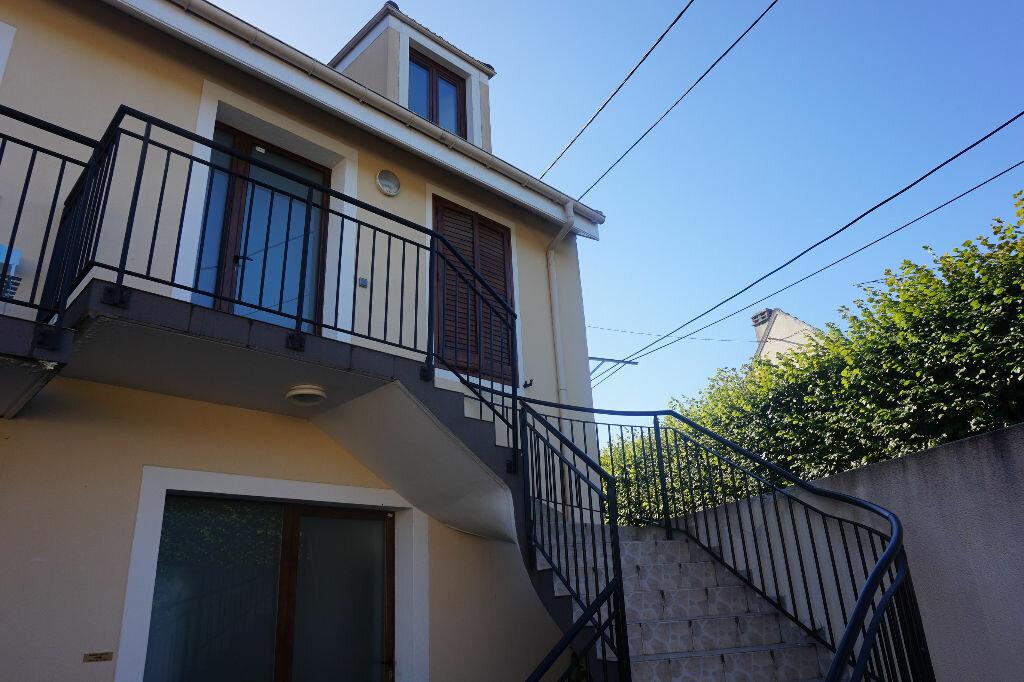 Achat Appartement 3 pièces à Vaires-sur-Marne - vignette-12