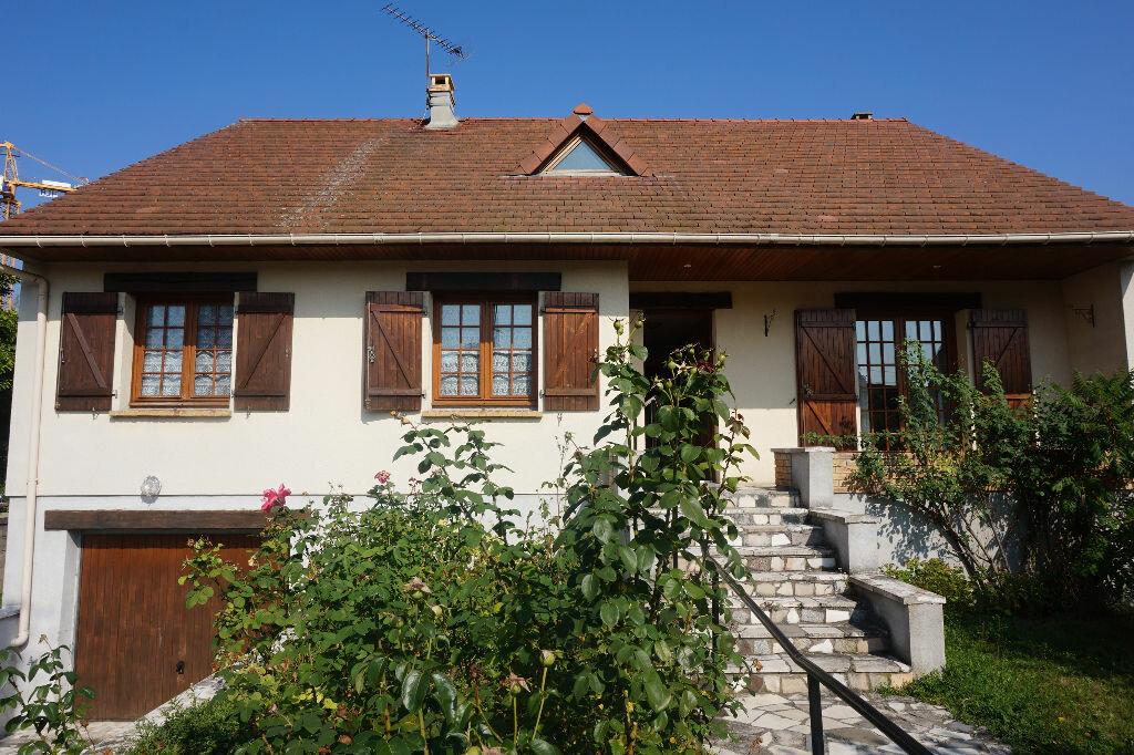 Achat Maison 5 pièces à Brou-sur-Chantereine - vignette-1
