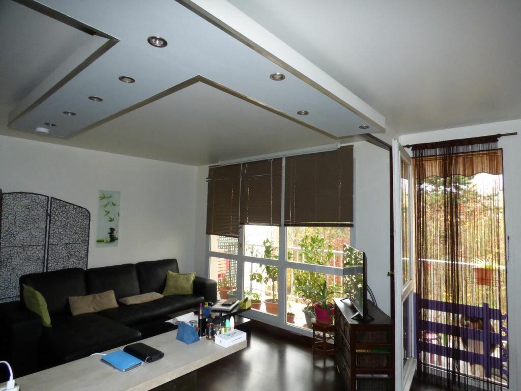Achat Appartement 4 pièces à Vaires-sur-Marne - vignette-2