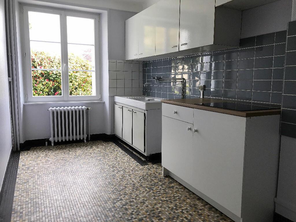 Location Maison 6 pièces à Gouesnou - vignette-2