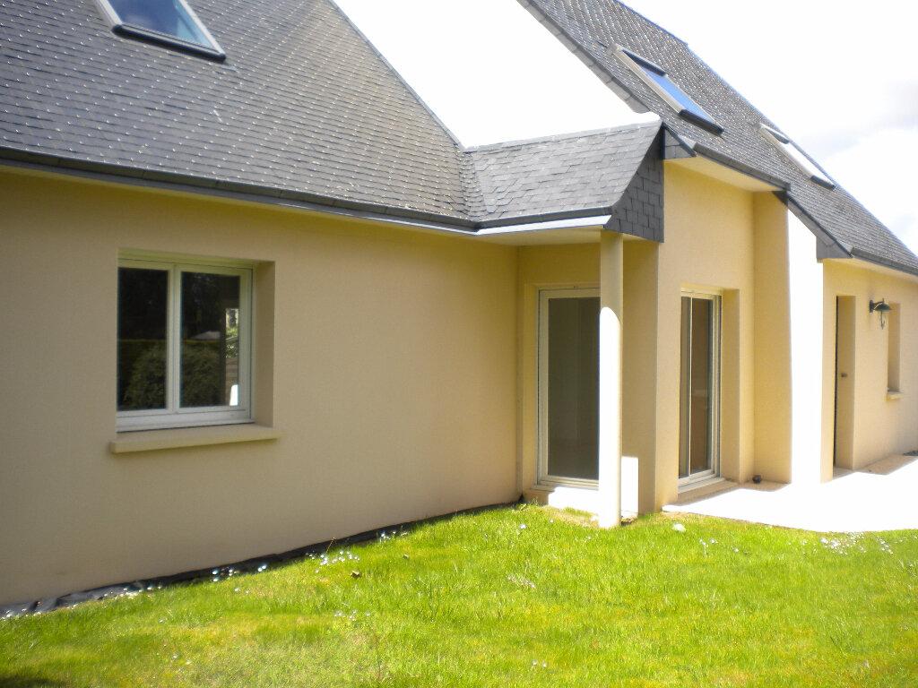 Location Maison 7 pièces à Plouvien - vignette-1