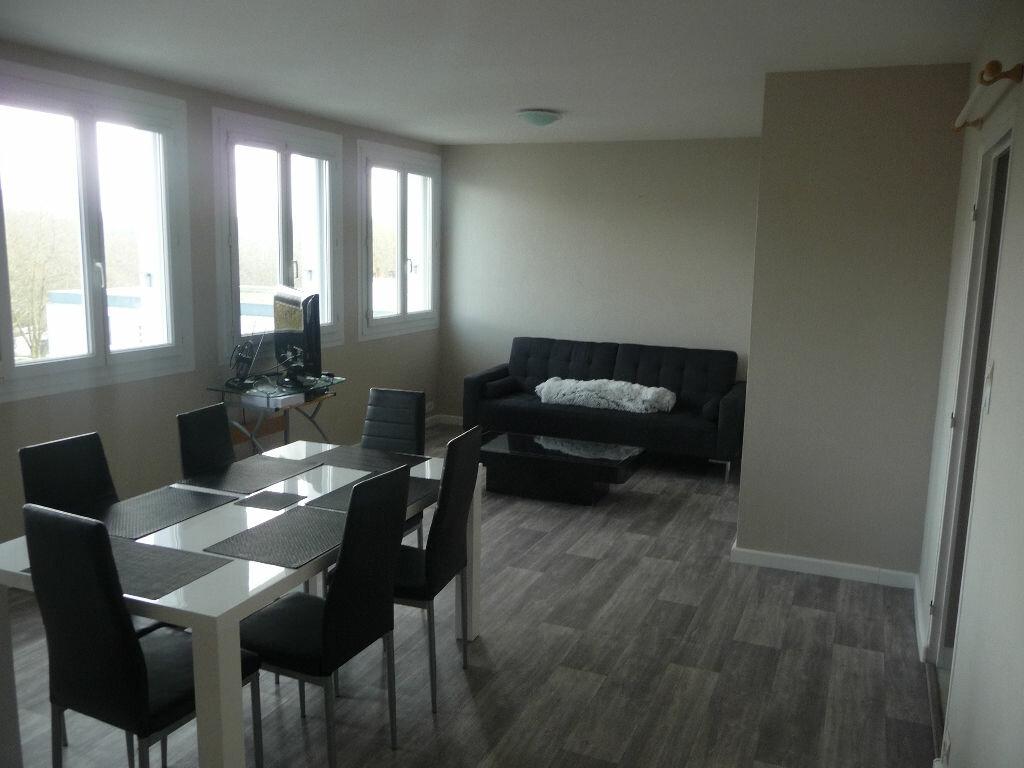 Achat Appartement 4 pièces à Bohars - vignette-1