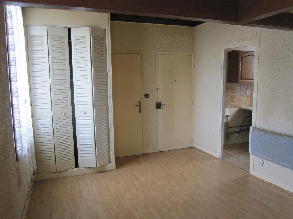 Achat Appartement 2 pièces à Clamart - vignette-2