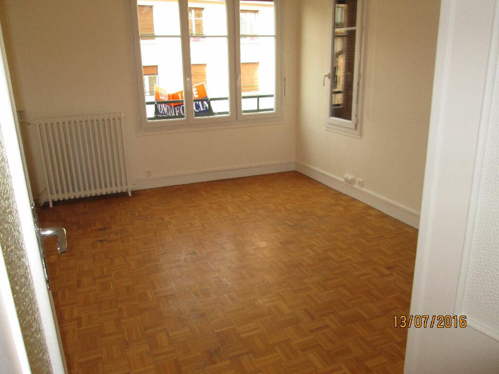 Location Appartement 2 pièces à Clamart - vignette-1