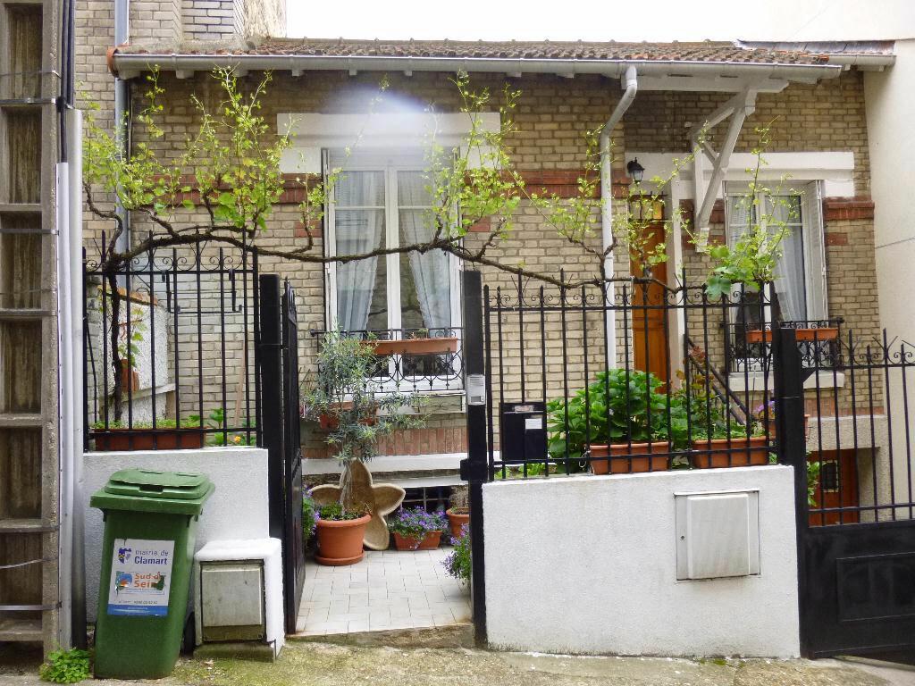 Location Maison 4 pièces à Clamart - vignette-1