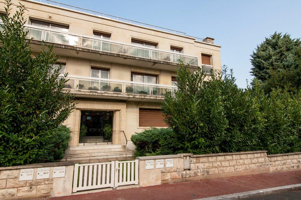 Achat Appartement 4 pièces à Clamart - vignette-1