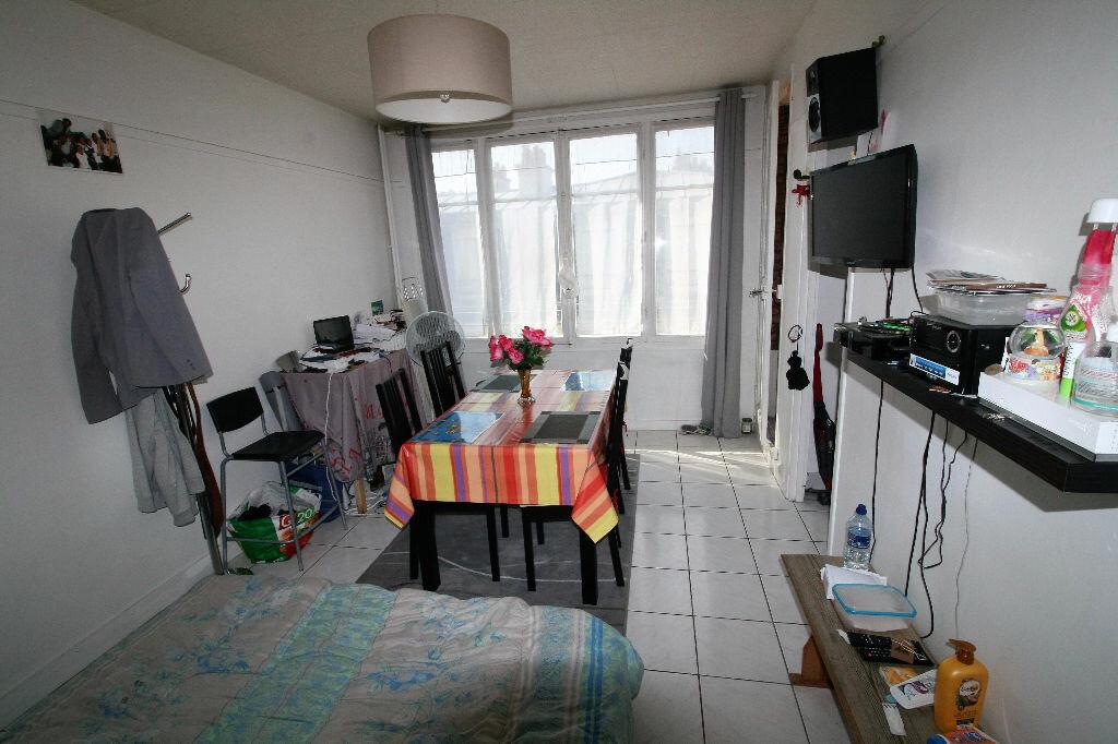 Achat Appartement 1 pièce à Clamart - vignette-3