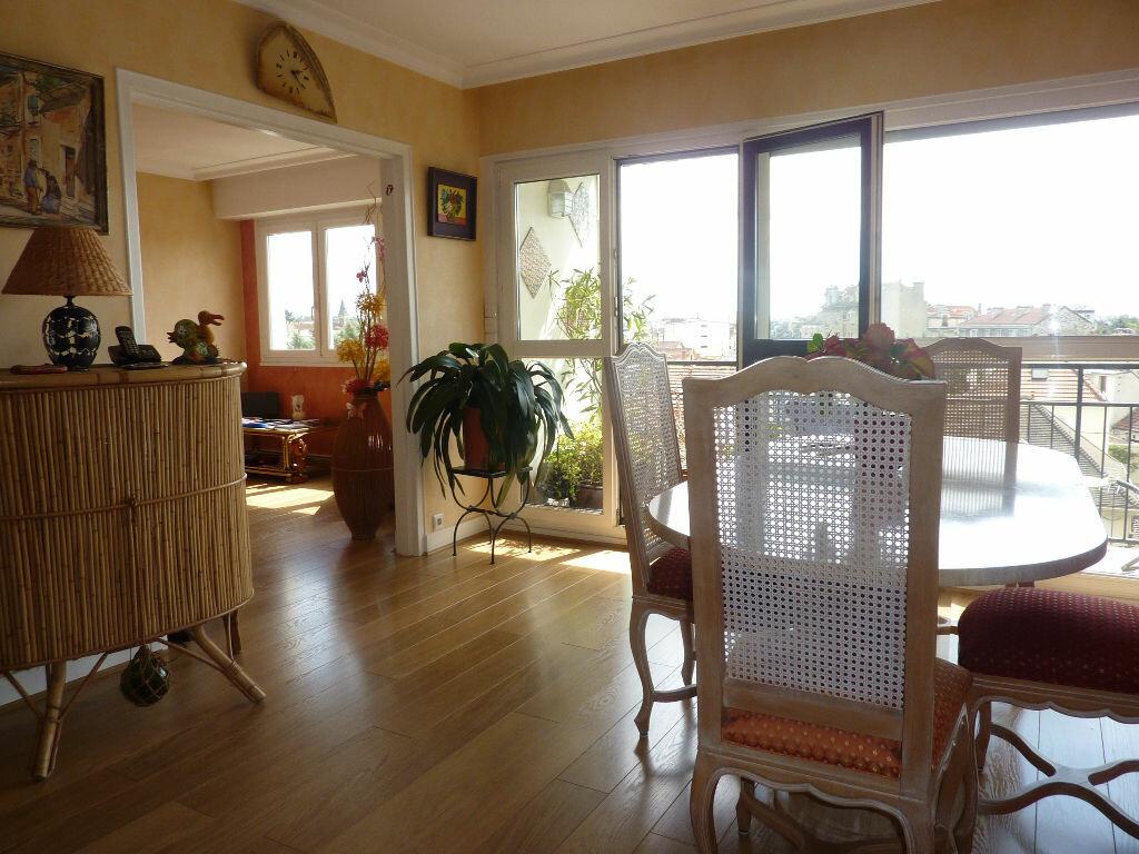 Achat Appartement 5 pièces à Le Perreux-sur-Marne - vignette-1