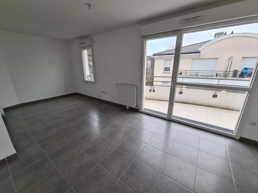 Location Appartement 2 pièces à Le Plessis-Trévise - vignette-1