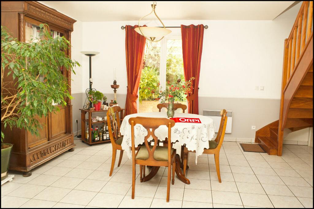 Achat Maison 5 pièces à Noisy-le-Grand - vignette-2