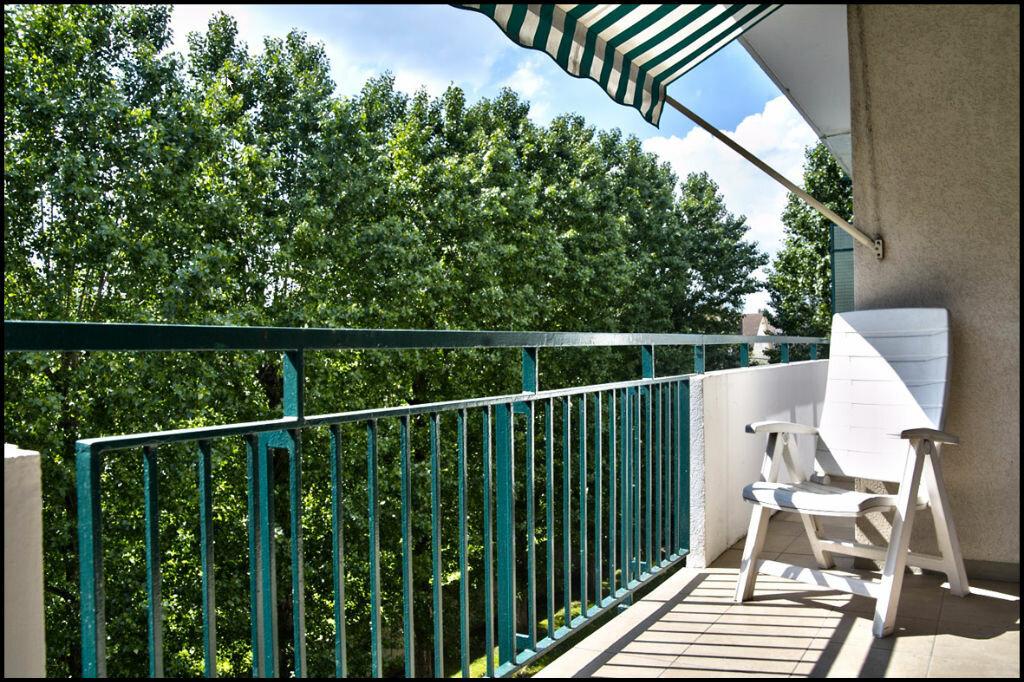 Achat Appartement 4 pièces à Villiers-sur-Marne - vignette-2