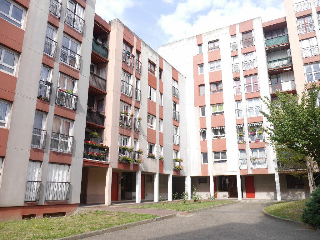 Achat Appartement 1 pièce à Villiers-sur-Marne - vignette-1