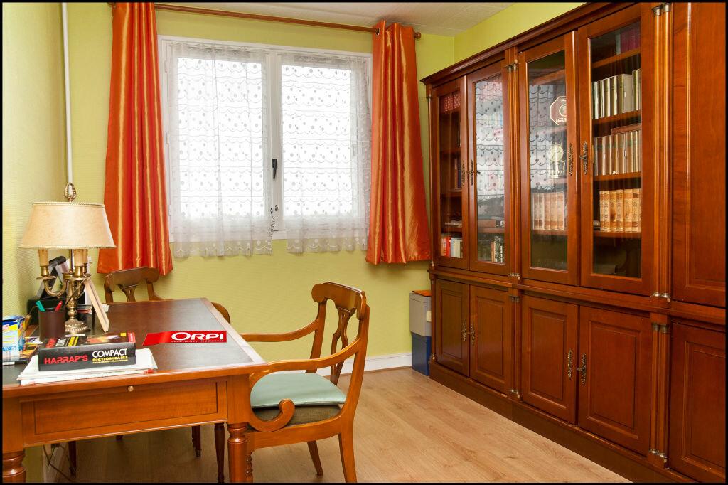 Achat Appartement 5 pièces à Neuilly-sur-Marne - vignette-4