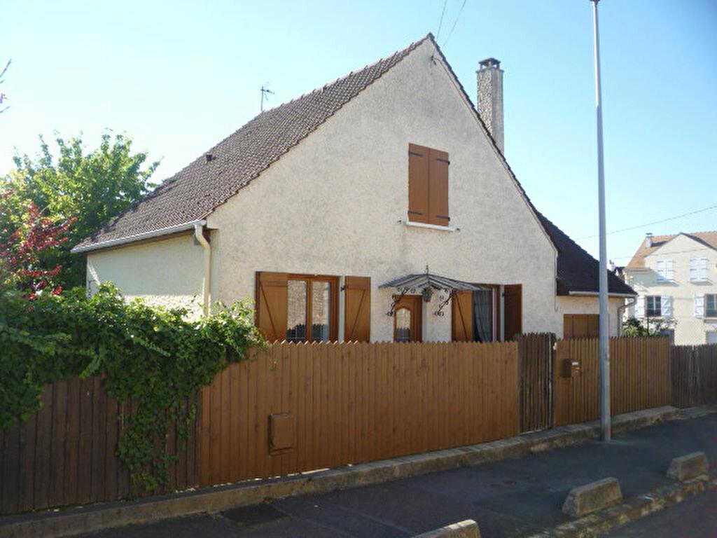 Achat Maison 5 pièces à Chennevières-sur-Marne - vignette-1