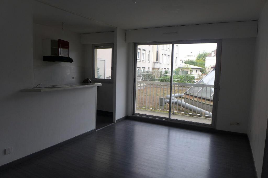 Location Appartement 1 pièce à Gagny - vignette-1