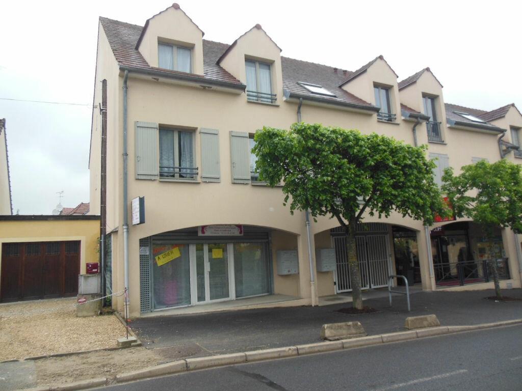 Location Local commercial  à Gretz-Armainvilliers - vignette-1